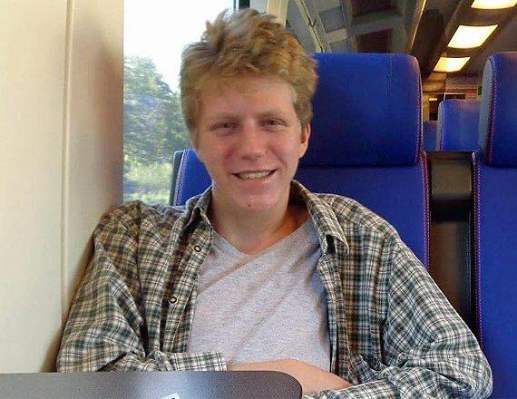 Sam (19) vermist sinds hij vrijdagnacht thuis met auto vertrok - Het Nieuwsblad - Merelbeke nieuws - NewsLocker