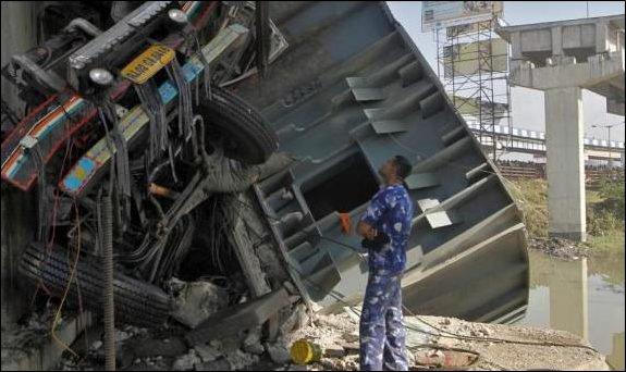 L'essentiel Online - Onze enfants meurent dans un accident de bus - Monde