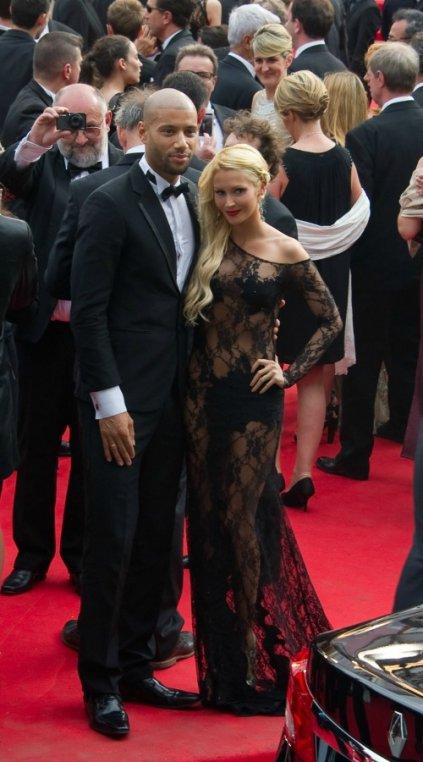 Tatiana Laurens sulfureuse en robe transparente sur le tapis rouge du Festival de Cannes 2014