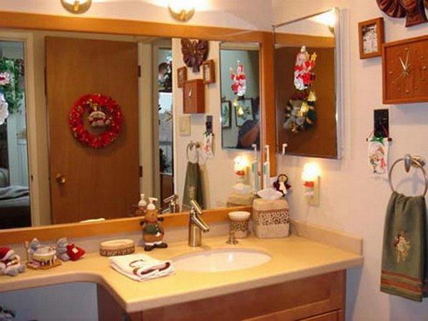Chritsmas Bathroom Decor Ideas | HomeDecorIn.com