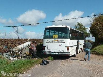 Accident d'un car scolaire: grosse frayeur pour la rentrée