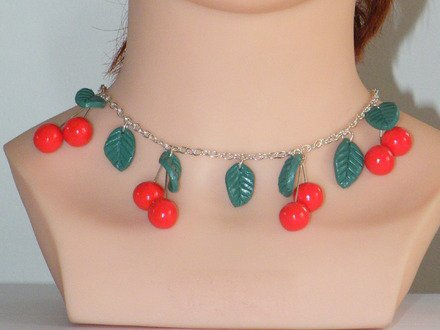 Collier chaîne et ces breloques cerise en fimo : Collier par jl-bijoux-creation