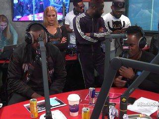 """Black M """"Askip"""" en live dans Planète Rap ! - Vidéo Skyrock"""