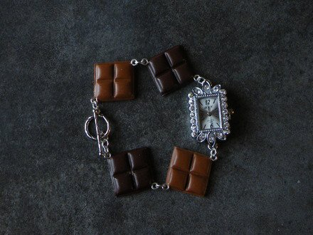Montre carrée de chocolat en fimo : Montre par jl-bijoux-creation