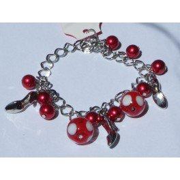"""Bracelet perles rouges et pendentif """"chaussure"""""""