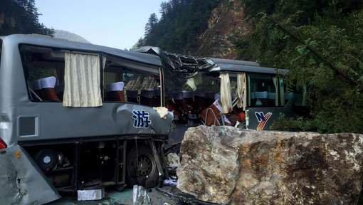 Au moins 36 morts dans un accident d'autocar en Chine