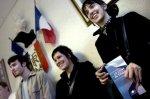 Les jeunes votent toujours à gauche, mais le FN les séduit