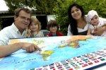 Tom et sa famille en route pour le tour du monde à la voile - L'Avenir