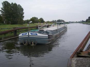 La batellerie - Expérience fluviale sur les fleuves, canaux et rivières navigables! Transport fluvial - Batellerie - Péniche - COBRA royal