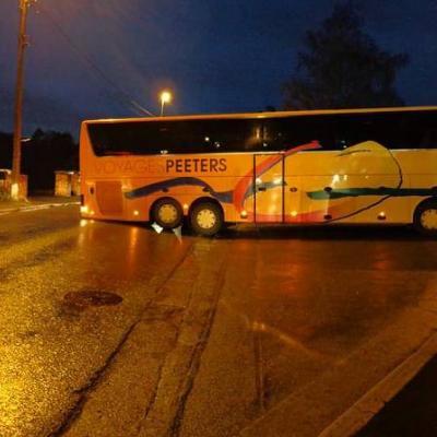 Huy: un car a bloqué la chaussée de Waremme