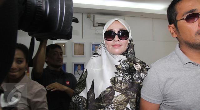 Jadi Tersangka Pornografi, Firza Husein Tak Ditahan - Berita Harian Indonesia