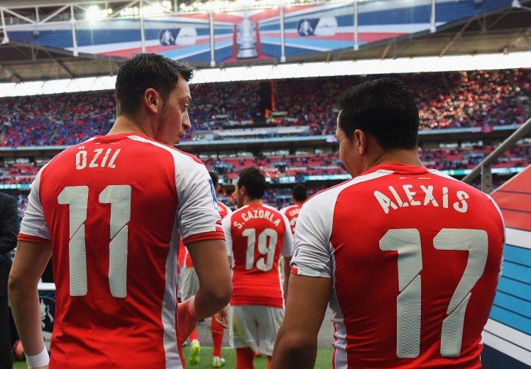 Arsenal Dibuat Pusing Oleh Kedua Pemainnya Ozil Dan Sanchez