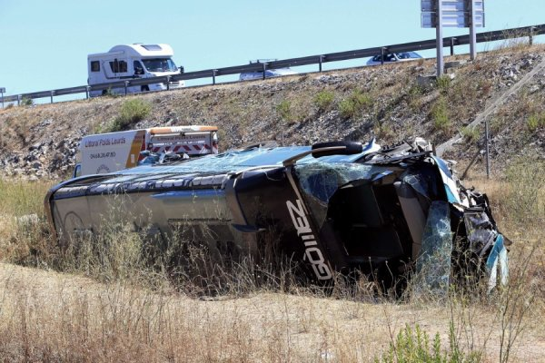 11-08-2013 - Aude - France: l'accident d'un car Eurolines fait 2 mo...