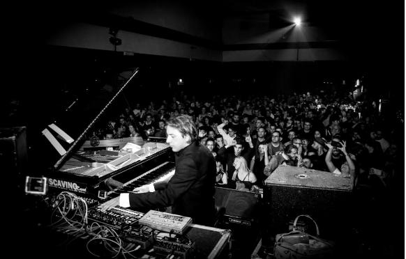 FABRIZIO RAT : l'alliance du piano et de la techno. | Muzikomag