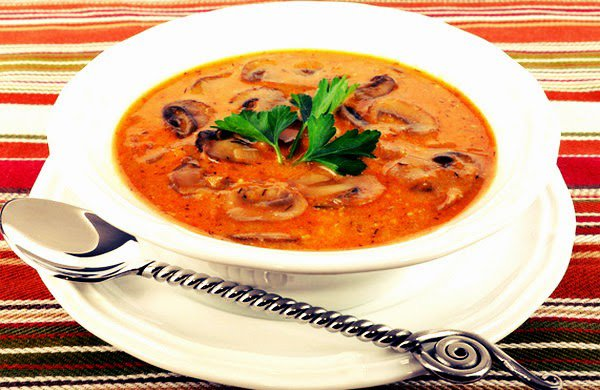 Delicious Foods: Kettle Hungarian Soup Recipe.