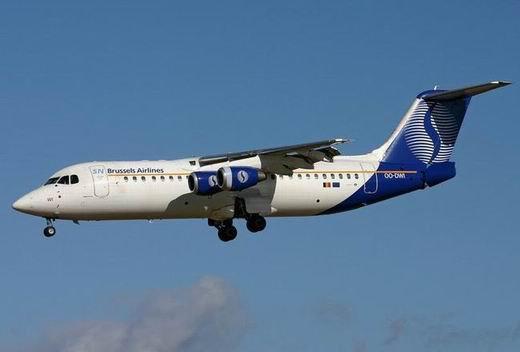 Trop lourd, l'avion de Brussels laisse des bagages au sol