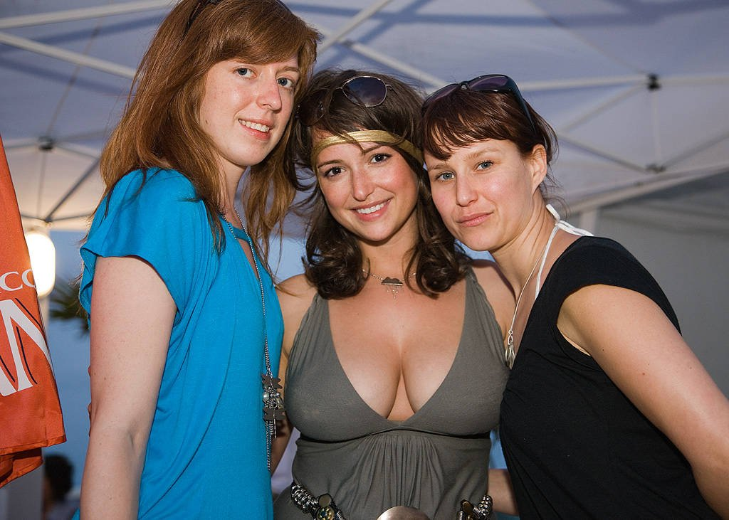 Meet Women Looking Men for One Night Stand