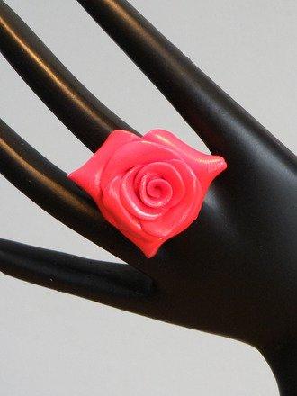 Bague Rose en fimo réglable