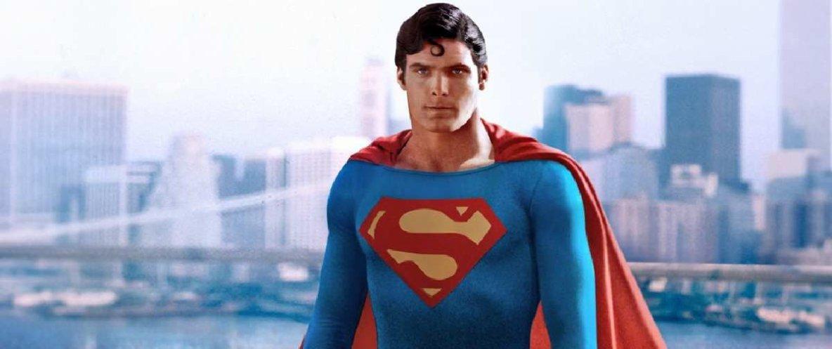 Henry Cavill photographié dans le costume de Christopher Reeve!!!!!