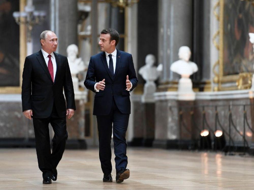 """Iran, Syrie, Ukraine: Macron veut des """"initiatives communes"""" avec Poutine"""