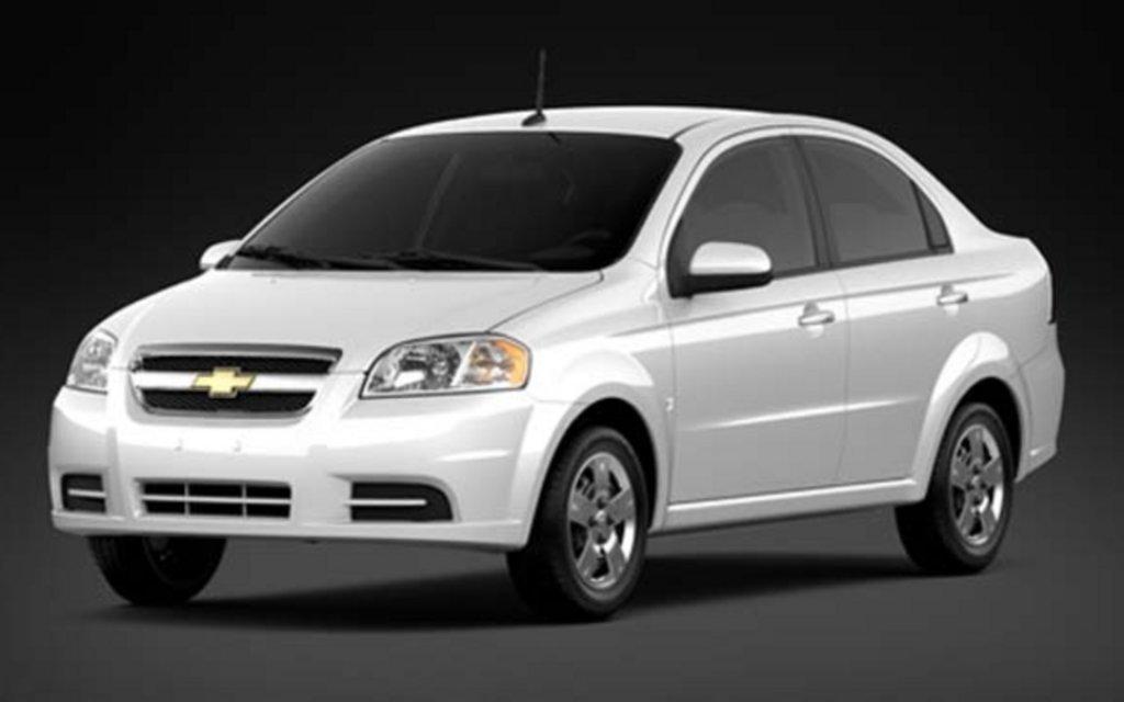 Chevrolet Aveo 5 LT 2013