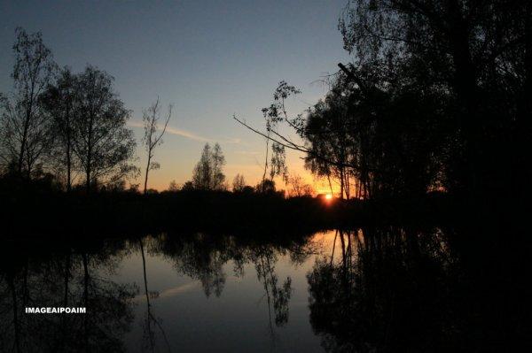 """Très beau coucher de soleil, photo prise par mon ami Pascal du blog """" imageaipoaim """""""