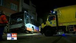 Un accident spectaculaire impliquant un bus de la STIB