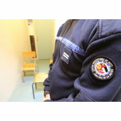 Violences sur un détenu : un surveillant au tribunal