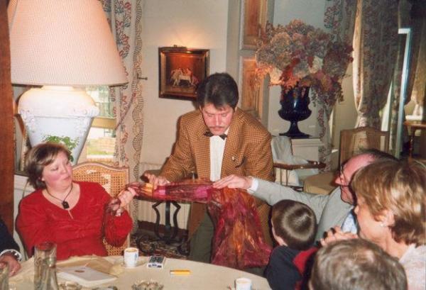 Réserver un magicien pour animer toutes vos soirées et fêtes le 2013-08-18 - Hauts-de-Seine, Île-de-France - Chezmatante.fr