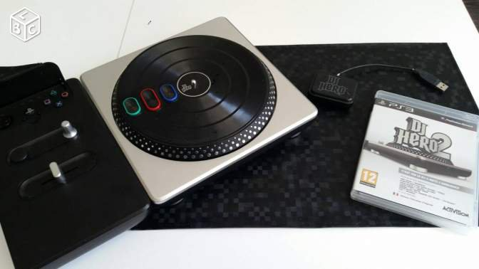 Platine DJ Hero + DJ Hero 2