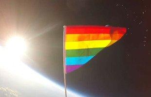 Le drapeau LGBT mis en orbite pour la première fois