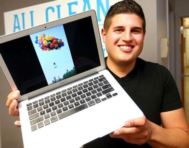 Ce mec a accroché des ballons gonflés à l'hélium à une chaise et s'est envolé, comme dans le film 'Là-Haut'!