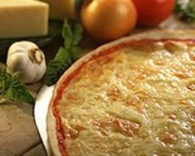Pizza aux cinq fromages