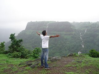Get information about best tourist places in India: June 2012