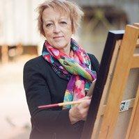 Beatrice BEDEUR, artiste peintre – Des couleurs chatoyantes sautillent sur la toile…