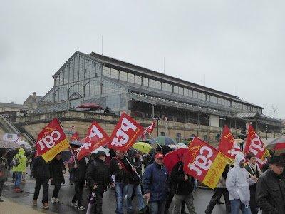photo,vidéo,article,pétition: 2016-04-09 Manifestation contre la loi du Travail Niort