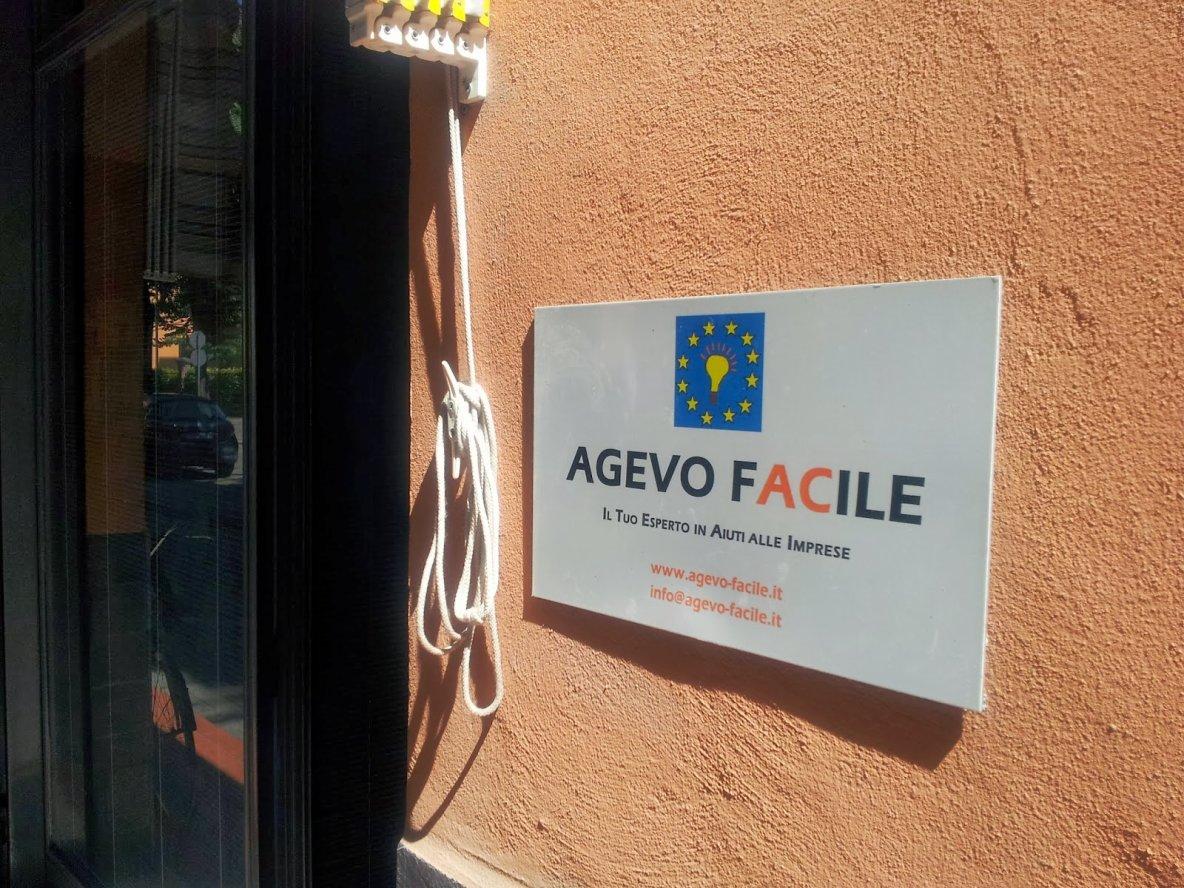 AgevoBLOG - La piazza dei finanziamenti pubblici: La Ministro Guidi lancia l'Industrial Compact: presentazione su slideshare