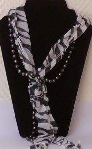 fourlard,collier,zébré,noir,blanc,perles,bijoux,fantaisie,accessoires,mode