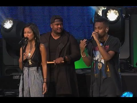 Big Sean Performs Beware feat. Jhene Aiko on the Sony Outdoor StagePosted by Jay
