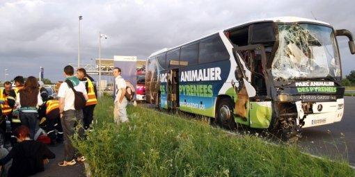 Collision entre deux bus de supporters : 10 blessés légers