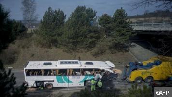 Accident d'un car français en République tchèque: un mort, 41 blessés - actualités voila