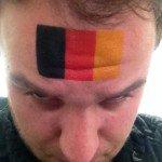 Il se fait tatouer le drapeau Belge, le tatoueur inverse les couleurs ! - Nordpresse - Infos Belgique