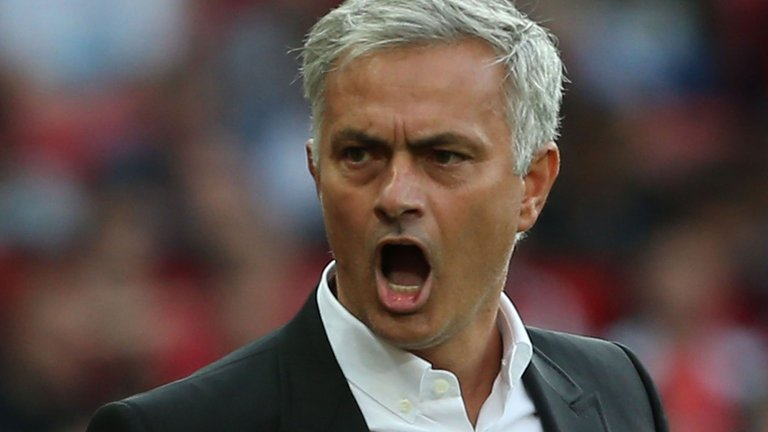 "Jose Mourinho : ""Saya Masih Menunggu Ibrahimovic"""