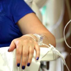 Cancer du sein: le docétaxel, lié à des décès, innocenté et ré-autorisé (France)