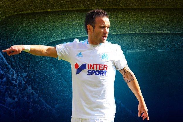 Valbuena marque, la France s'éclate