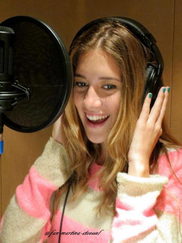 Clara et ezequiel enregistre une chanson pour violetta saison 2 clari alonso - Musique violetta saison 2 ...