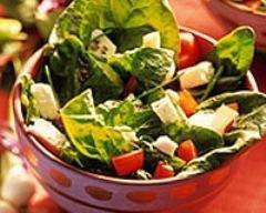 Salade de cresson au jambon fumé et à la mozzarella mini