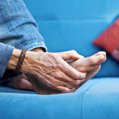 Douleur chronique: pourquoi elle persiste même quand la cause a disparu (traitement en vue)