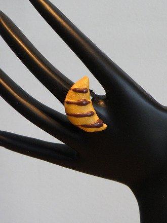 Bague Croissant en fimo réglable : Bague par jl-bijoux-creation