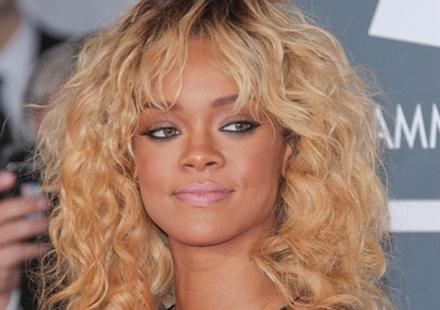 Rumeur de décès de Rihanna : même TF1, pris dans la vague, dément !